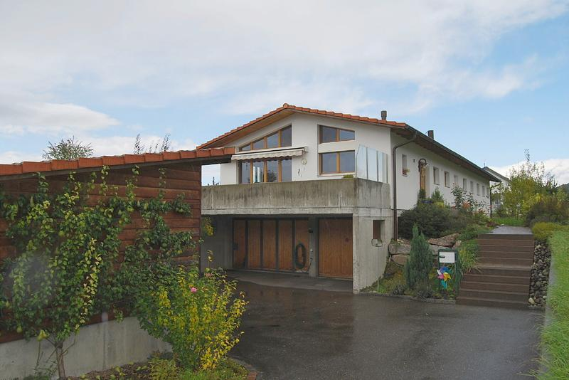 6.5-Zimmer-Einfamilienhaus mit Gartenanlage und Specksteinofen (1)