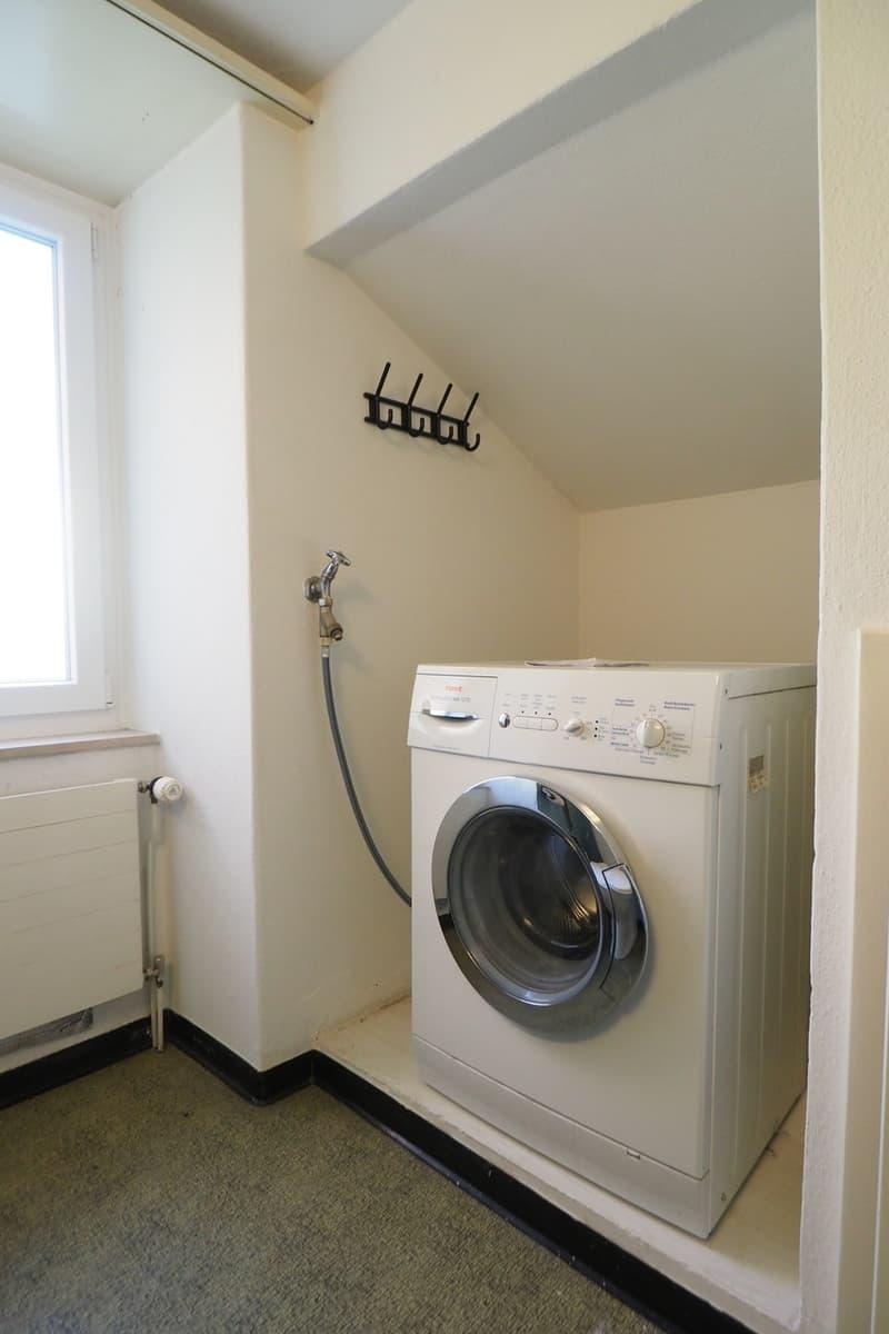 4.5 Zimmer-Hausteil mit Doppelcarport und Umschwung (13)