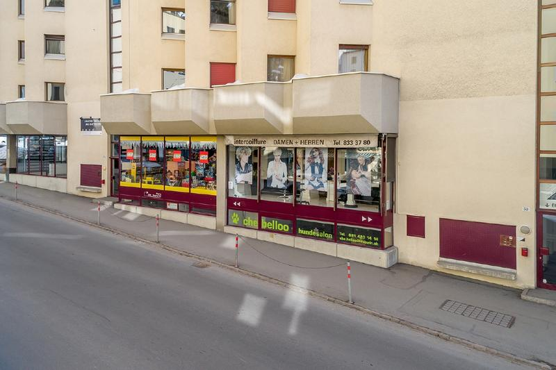 236519_Schaufensterflächen an der Via dal Bagn