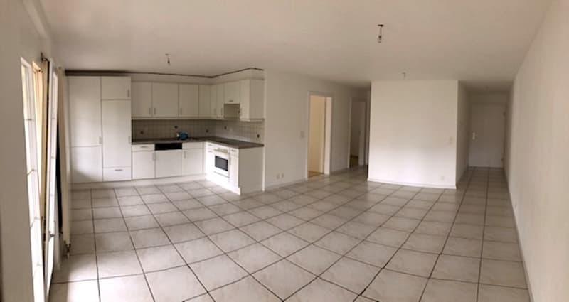 Premier mois gratuit - Appartement de 4.5 pièces avec grand balcon. (1)