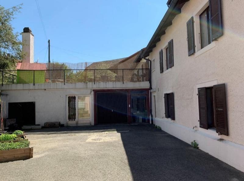 Immeuble de rendement au centre du village (2)
