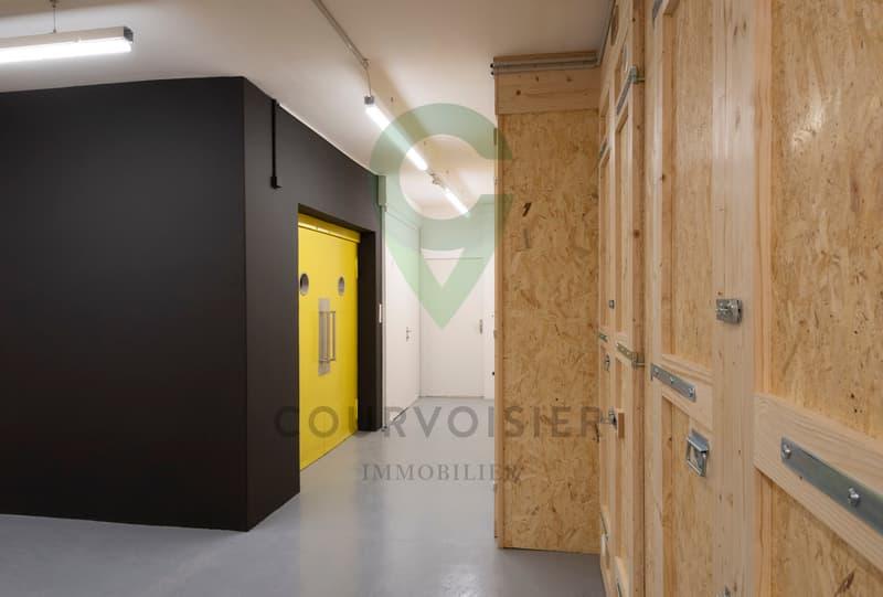 Beau bureau facile d'accès et sécurisé en plein centre de Fribourg (2)