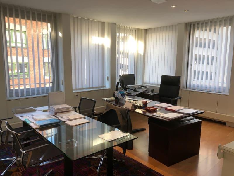 Uffici frazionabili vis-a-via l'autosilo di Lugano (3)