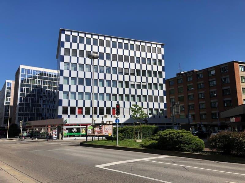 Uffici frazionabili vis-a-via l'autosilo di Lugano (1)