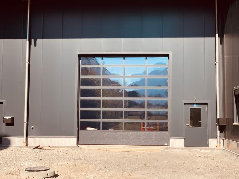 Neue, moderne Gewerberäumlichkeiten zu vermieten (2)
