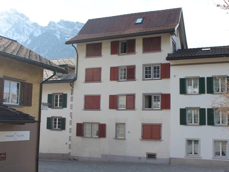 Pflegeleichtes Mehrfamilienhaus mit 4 Wohneinheiten (1)
