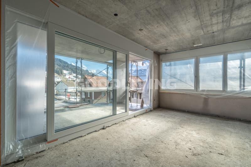 Wohnzimmer mit Alpenblick