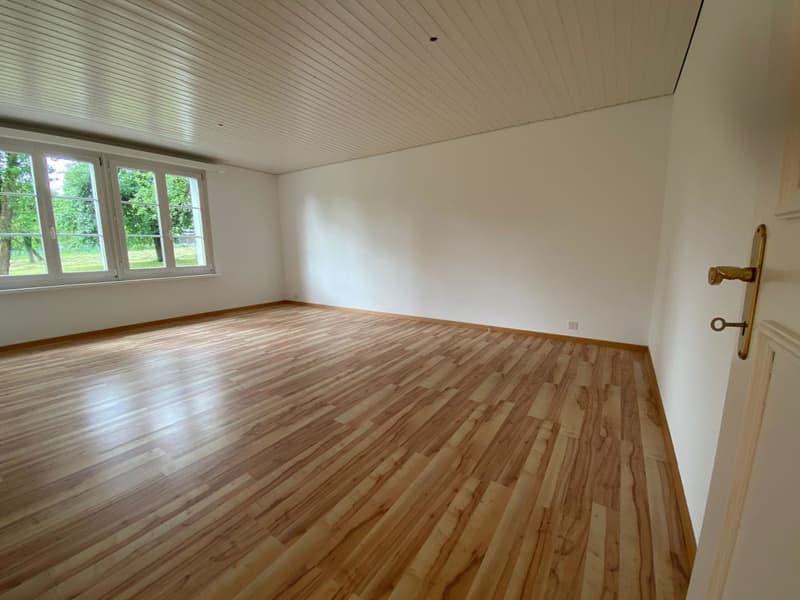 Attraktive 3.5 Zimmer Eigentumswohnung mit Garagenplatz (13)