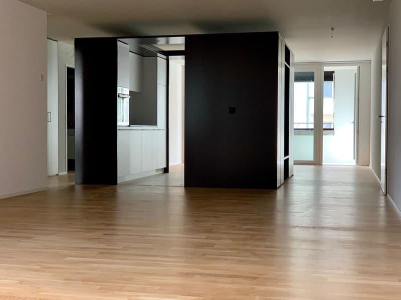 Helle, moderne 4.5-Zimmerwohnung im 1. Obergeschoss (2)