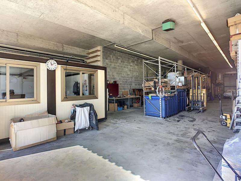 Local stockage ou atelier avec bureau (2)