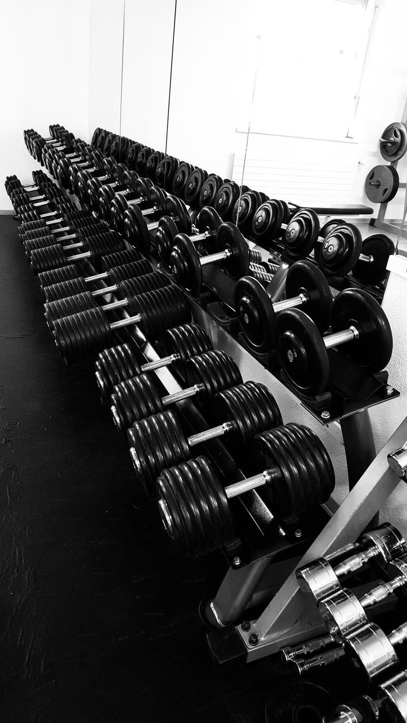 Langjähriges, erfolgreiches Fitnesscenter zu verkaufen (2)