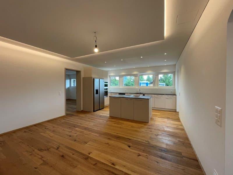 Stilvolle 3.5 Zimmer-Wohnung im Naturparadies (2)