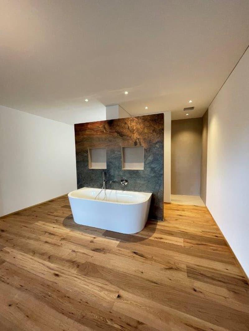 Stilvolle 3.5 Zimmer-Wohnung im Naturparadies (1)