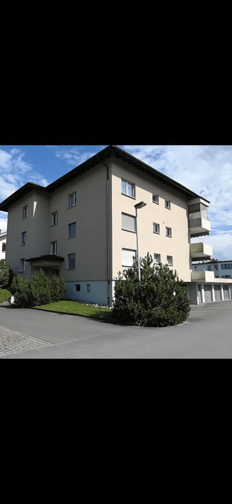 3 1/2 Zimmerwohnung mit Balkon (1)