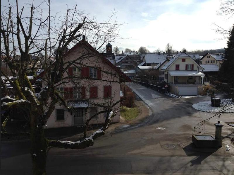 Studio im Dorfzentrum mit Balkon (2)