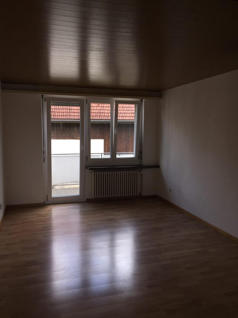 Studio im Dorfzentrum mit Balkon (1)