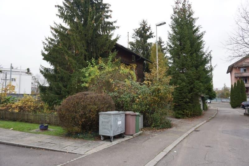 Wohnhaus mit Nebengebäude an schöner und sehr zentraler Lage in Emmenbrücke (5)