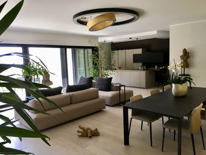 Ampio appartamento di design a Muggio (1)