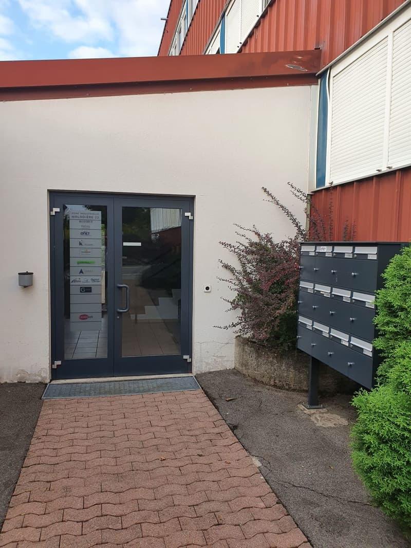 Laboratoire avec salle blanche ISO 8 à Bevaix (9)