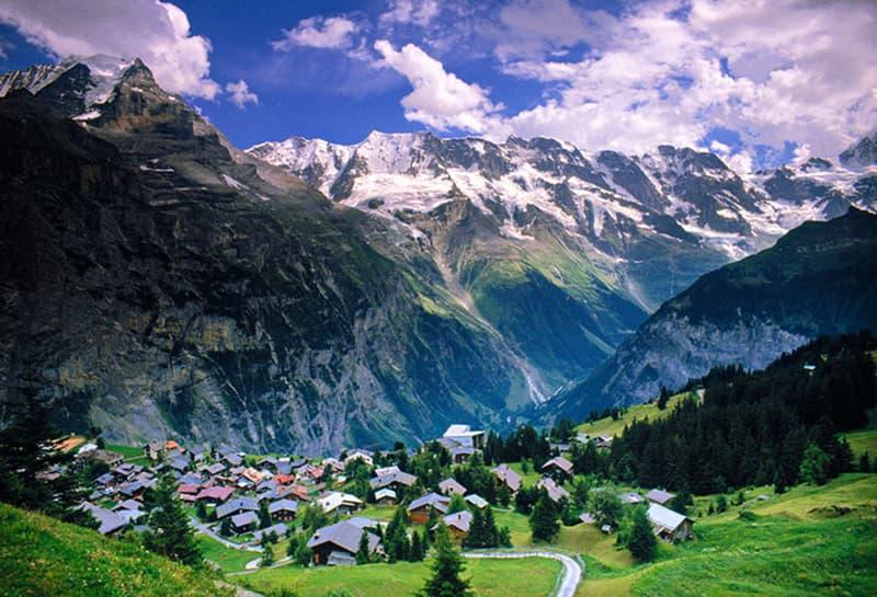 Bekanntes 3* Hotel mitten in der Jungfrau Region / 295 (2)