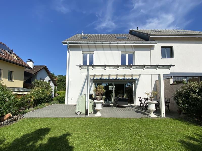 Exklusives 5.5-Zimmer-Doppeleinfamilienhaus mit beheiztem Hobbyraum und Carport (1)