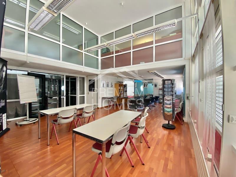 Propriété résidentielle et commerciale dans un très bon emplacement (2)