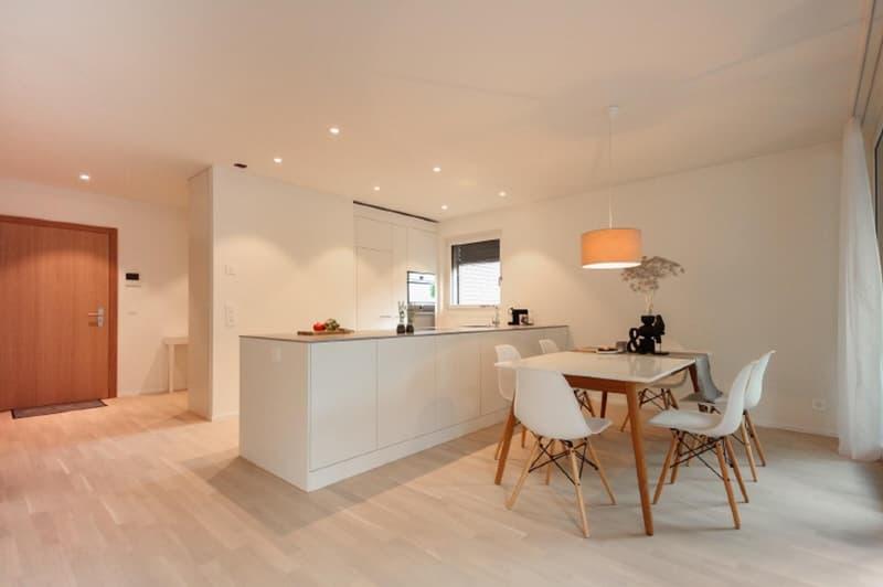 Exklusive und grosszügige 3.5-Zimmer-Eigentumswohnung an attraktiver Lage in Bäretswil (2)