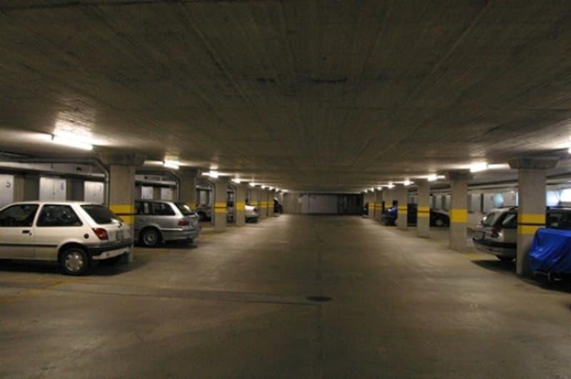 Einstellplätze nahe Autobahnanschluss und Mall of Switzerland zu vermieten (2)