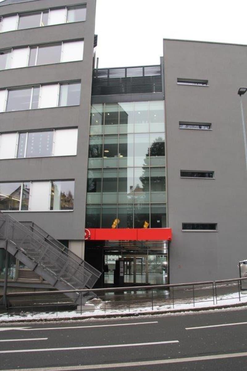 Duplex moderne dans la gare de Fribourg (5)