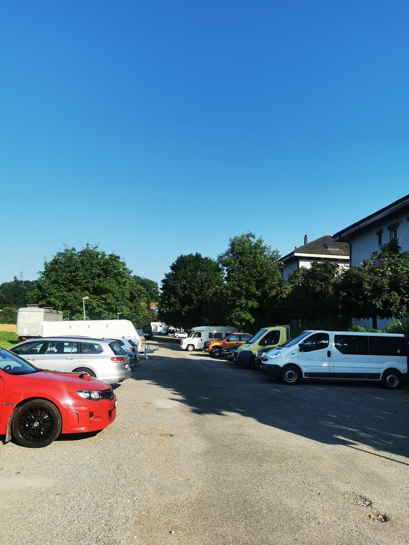 Parkplatz für Ihr Auto (2)