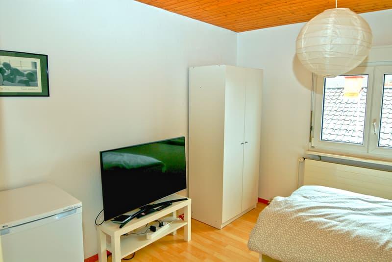 Möbliertes Zimmer in Reinach mit Balkon (1)