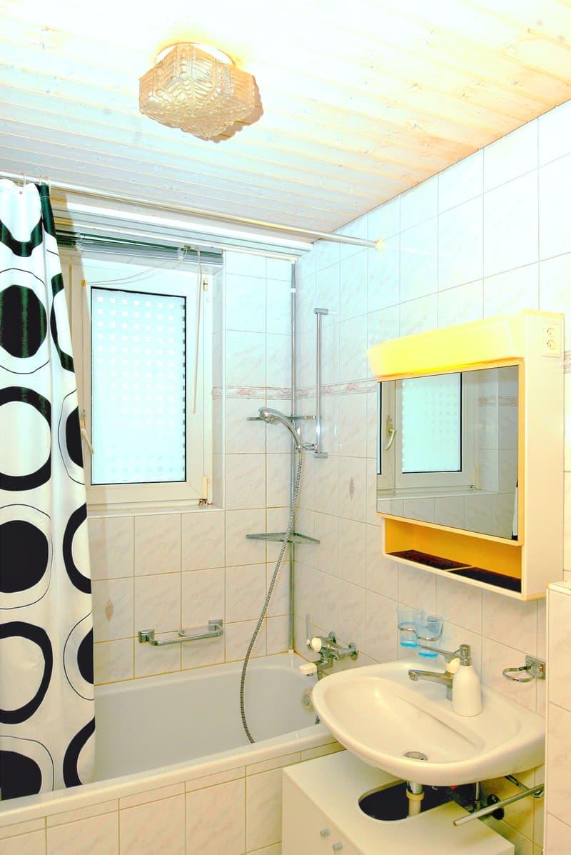 Möbliertes Zimmer in Reinach mit Balkon (2)