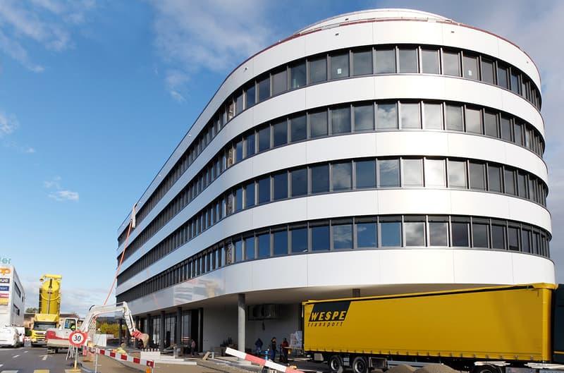 Exklusives Attika-Büro im Neubau Goldäcker I (2)