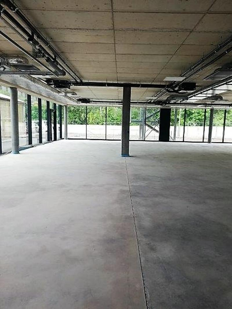 Nuovo spazio : show room - uffici - laboratorio contesto industriale e visibilità (6)
