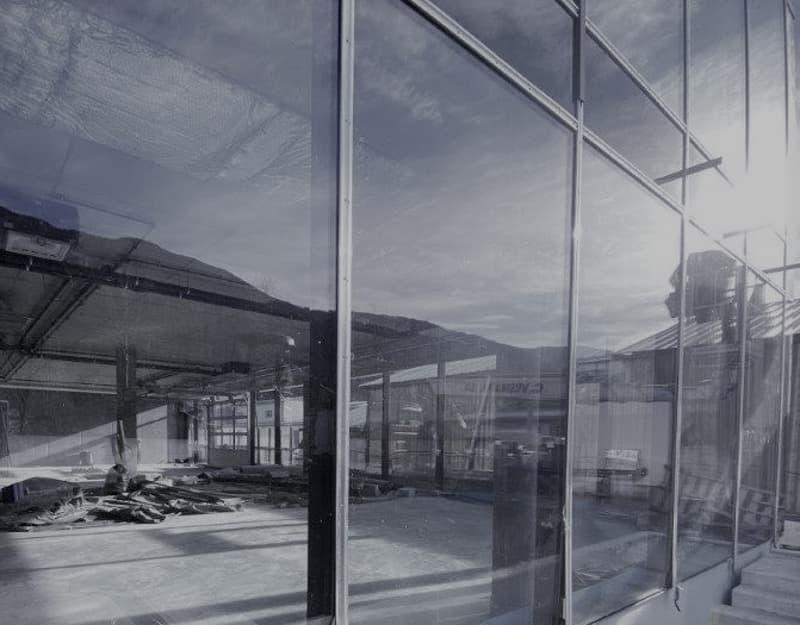 Nuovo spazio : show room - uffici - laboratorio contesto industriale e visibilità (2)