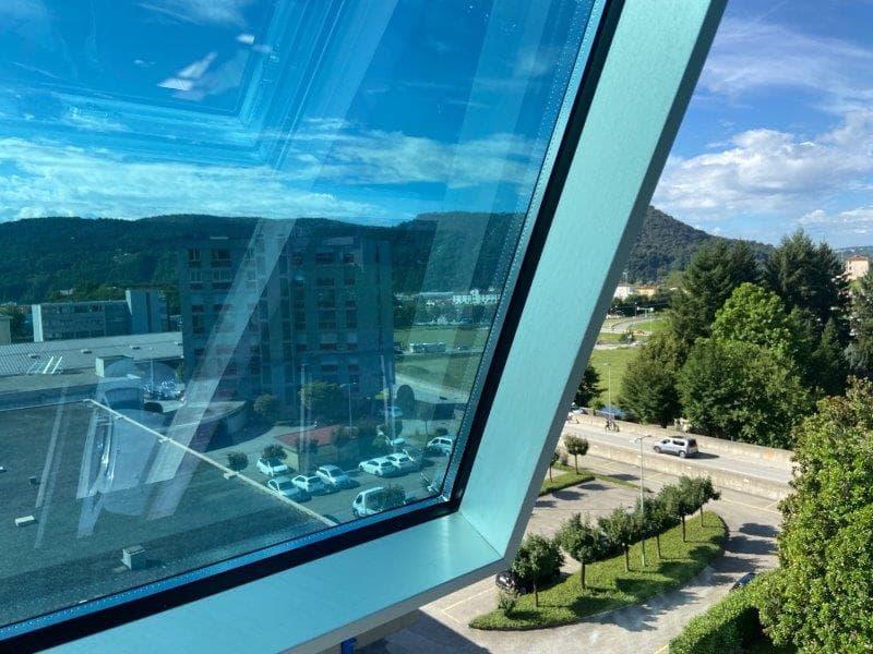 Mendrisiotto : nuovo luminoso ufficio immediato autostrada (2)