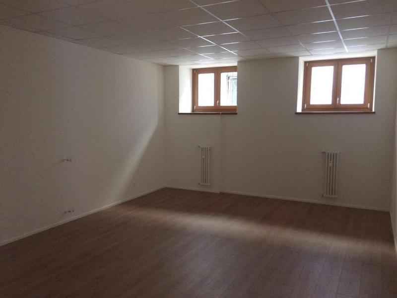 Stabio Ufficio con vetrine (2)