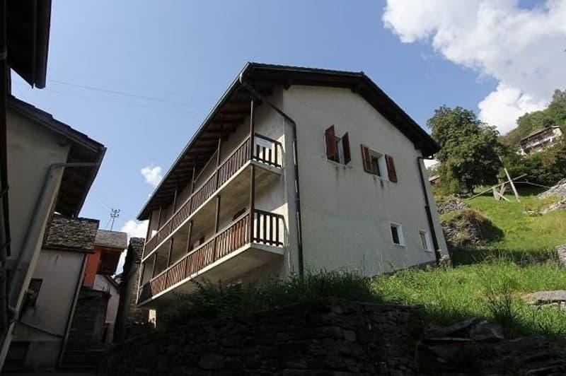2-Familienhaus mit Garten und Rustico / casa bifamiliare con rustico da ristrutturare (2)