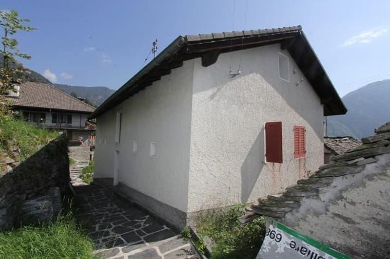 2-Familienhaus mit Garten und Rustico / casa bifamiliare con rustico da ristrutturare (13)
