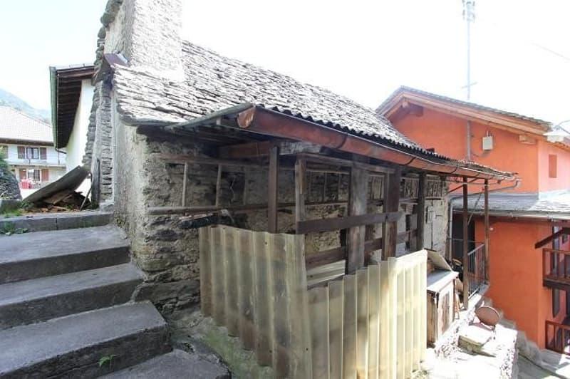 3-Zimmer-Rustico mit Balkon zum Ausbauen / rustico di 3 locali da ristrutturare (2)