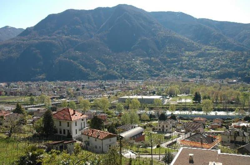 Vista verso Bellinzona/Blick auf Stadt Bellinzona