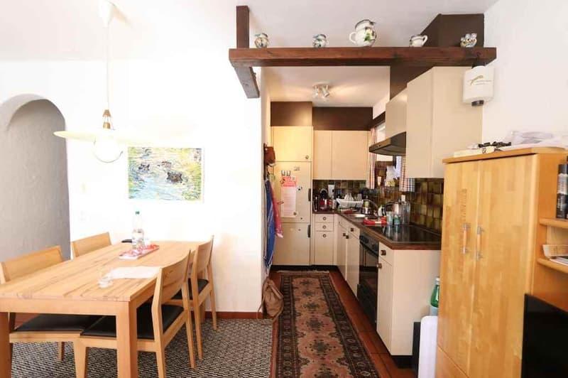 2 1/2-Zimmer-Gartenwohnung mit Seeblick / appartamento di 2 1/2 locali PT con vista panoramica sul lago (2)