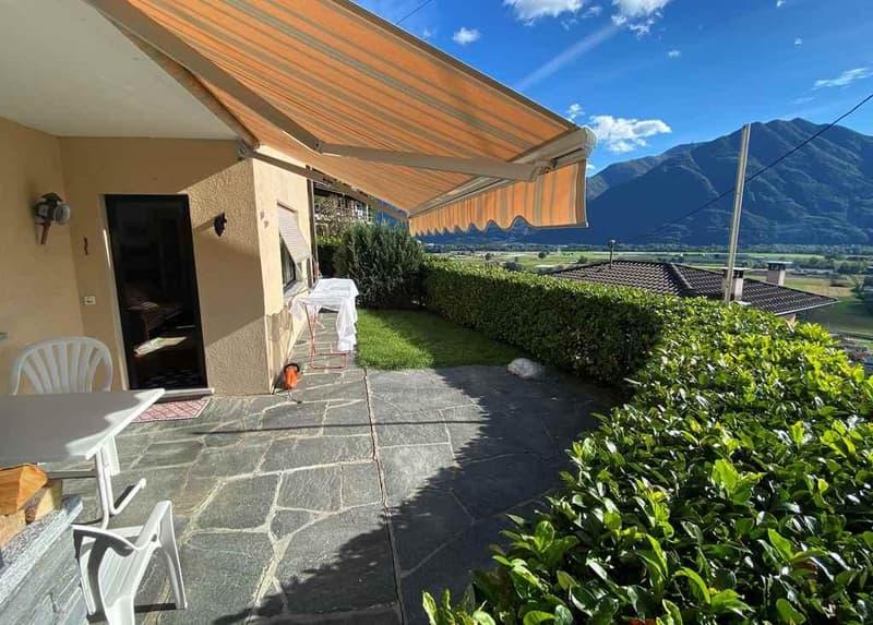 2 1/2-Zimmer-Gartenwohnung mit Seeblick / appartamento di 2 1/2 locali PT con vista panoramica sul lago (1)