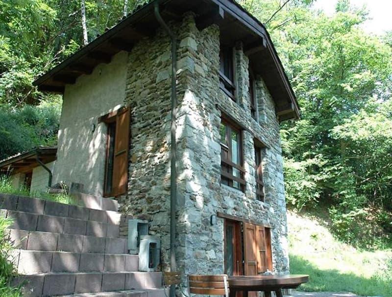 3 1/2-Zimmer-Rustico an Alleinlage in Waldlichtung / rustico di 3 1/2 locali da solo nella Natura (1)