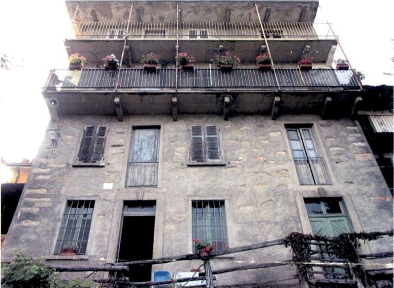 Caseggiato rustico da ristrutturare (1)