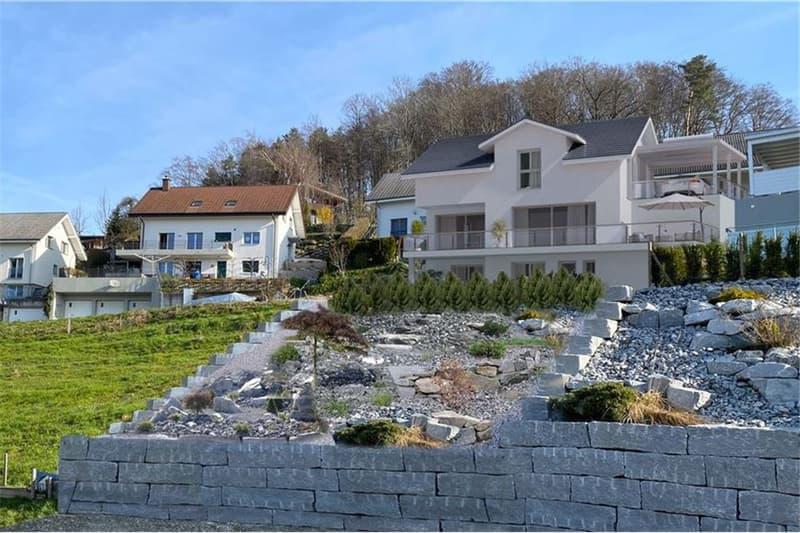 Schönes freistehendes Einfamilienhaus mit Einliegerwohnung (2)