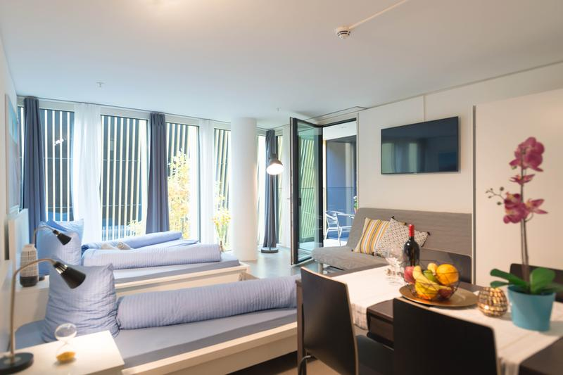 Moderne und möblierte 1.5-Zimmerwohnungen mit Balkon (2)