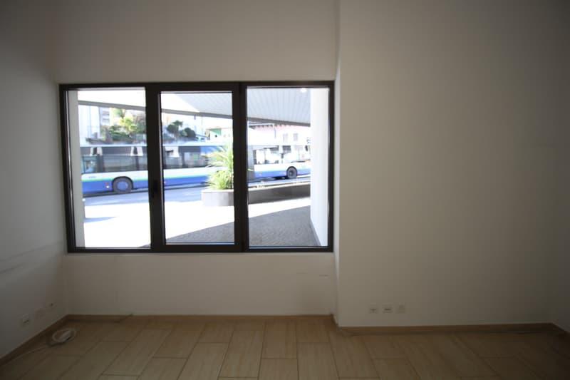 Locali ufficio moderni a Lugano in zona stazione (10)