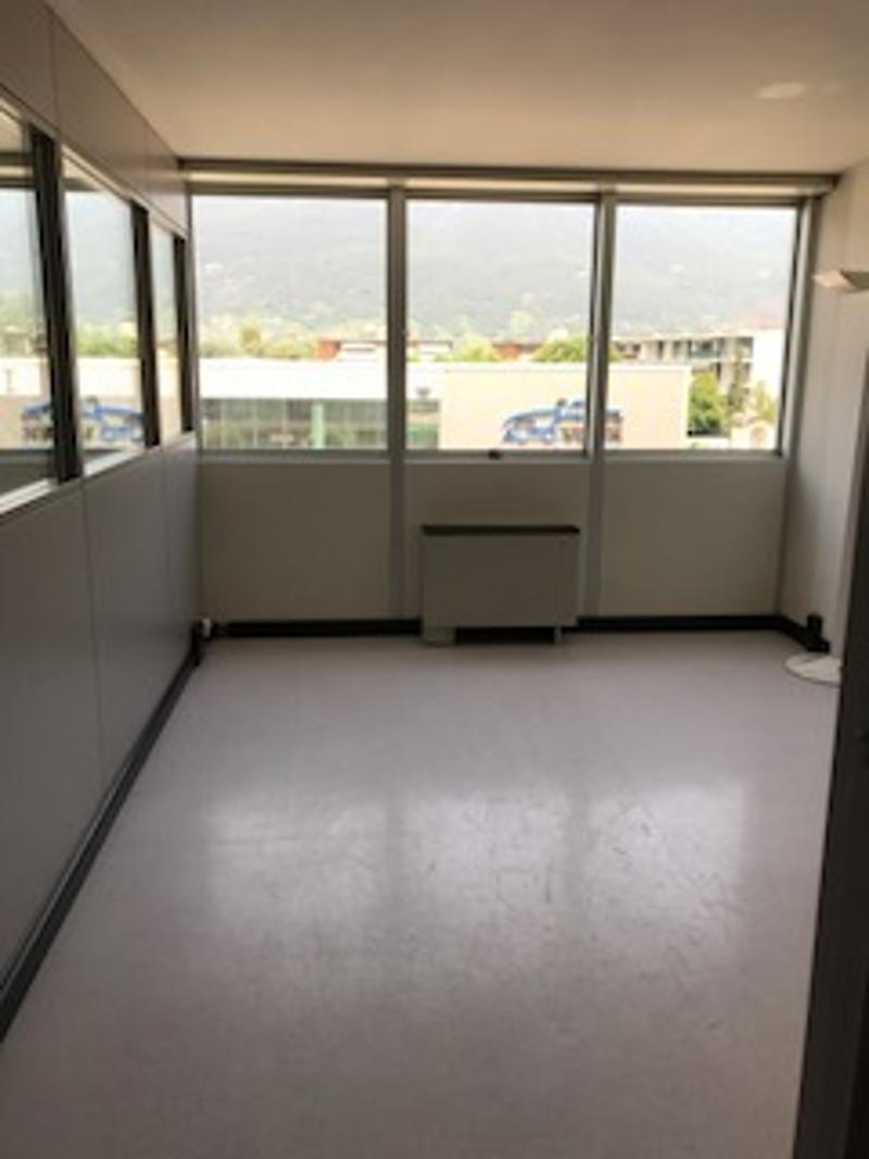 Affittasi spazi adibiti ad ufficio di varie metrature - Contone (2)