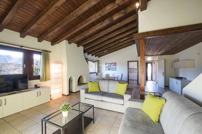Appartamento arredato stile rustico ticinese (1)